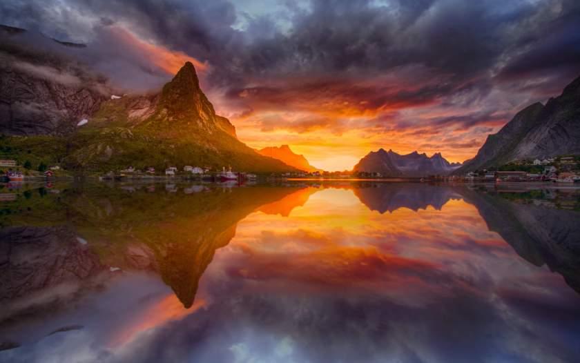 Midnight-sun-Lofoten-122015-99-0004_be9c3c94-8b38-46b6-8d0d-261d1ee4c57b